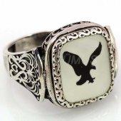 925 Ayar Gümüş Erkek Yüzüğü Siyah Beyaz Kartal Beşiktaş