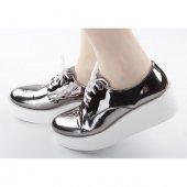 Beyaz Kalın Taban Parlak Bayan Ayakkabı