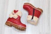 Ponponlu Kız Çocuk Kırmızı Bot