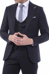 Sivri Yaka Yelekli Siyah Takım Elbise