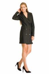 Siyah Çizgili Desenli Düğmeli Elbise 19k0160562