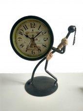 Dekoratif Metal Saat Taşıyan Çöp Kadın Masa Saati