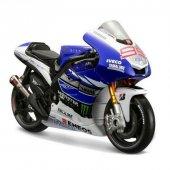 1 10 Yamaha Factory Racing Motorsiklet