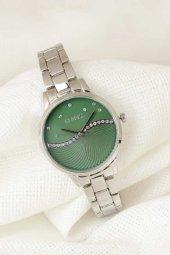 Silver Renk Metal Kordonlu Yeşil Renk Zirkon Taşlı İç Tasarımlı Clariss Marka Bayan Kol Saati