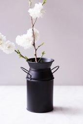 Siyah Country Tarzı Güğüm Vazo