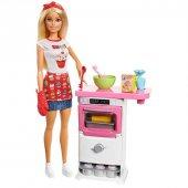 Barbie Mutfakta Fırın Ve Kek Kalıplı Oyun Seti Fhp57