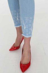Paça İşlemeli Açık Mavi Kadın Kot Pantolon Full Power Likralı
